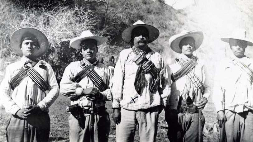 Florencio Estrada y Federico Vázquez (centro)