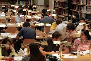 biblioteca_llena_estudiantes